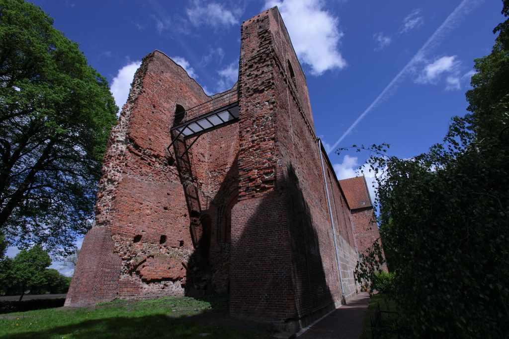 ev.-luth. Kirche Reepsholt, Foto: Karlheinz Krämer