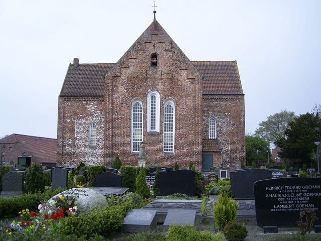 Ev.-ref. Kirche Stapelmoor, Foto: Karlheinz Krämer