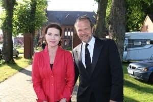 Gudrun Landgrebe und Sebastian Knauer nach dem Gezeitenkonzert in Münkeboe, Foto: Karlheinz Krämer