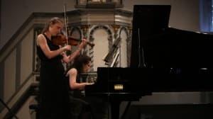 Alexandra Conunova-Dumortier (Violine) und Lilit Grigoryan (Klavier), Foto: Karlheinz Krämer