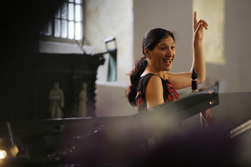 Sharon bei der Probe vor dem Gezeitenkonzert in Arle, Foto: Karlheinz Krämer