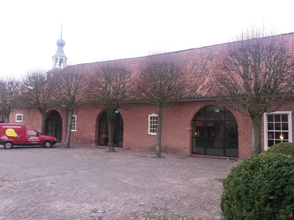 Die Vorburg der Lütetsburg