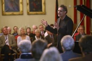 Matthias Kirschnereit stellt die Gezeitenkonzerte 2014 vor, Foto: Karlheinz Krämer