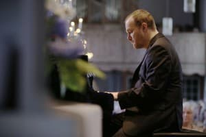 Lars Vogt beim Gezeitenkonzert in Backemoor, Foto: Karlheinz Krämer