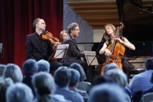 Florian Donderer, Matthias Kirschnereit und Tanja Tetzlaff beim Gezeitenkonzert in der Neuen Kirche Emden, Foto: Karlheinz Krämer