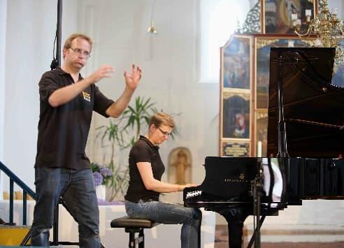 Ob dieses Star-Duo mit imaginärer Oboe und Klavier auch bei den Gezeitenkonzerten 2015 dabei sein wird? (Foto: Gonda van Ellen)