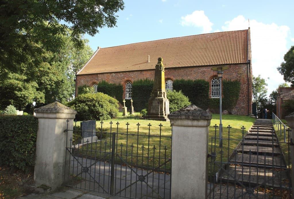 Kirche Dunum - irgendwo im Nirgendwo, Foto: Gonda van Ellen