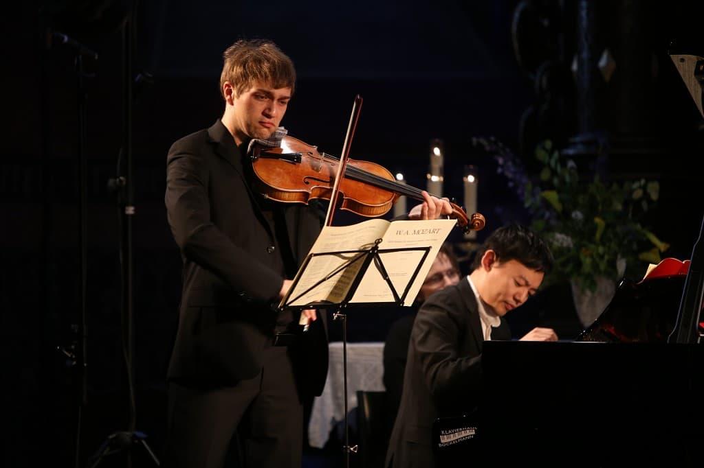Nils Mönkemeyer und William Youn, Foto: Karlheinz Krämer