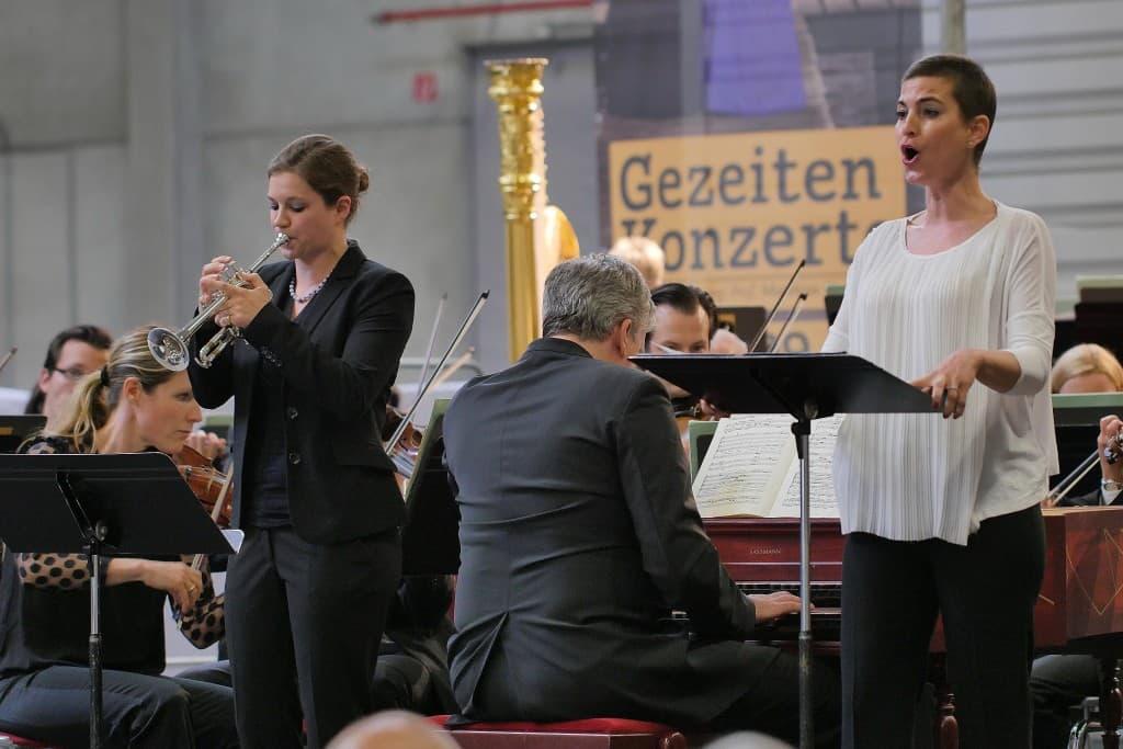 Anne Heinemann und Julia Bauer, Foto: Karlheinz Krämer