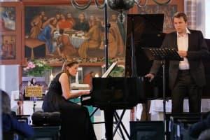 Verena Metzger und Matthias Winckhler beim Gezeitenkonzert in der Kirche zu Völlen, Foto: Karlheinz Krämer