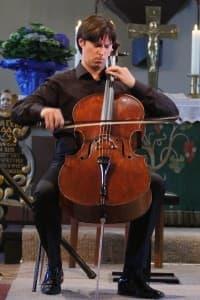 Brachte sein Cello zum Singen: Daniel Müller-Schott, Foto: Karlheinz Krämer