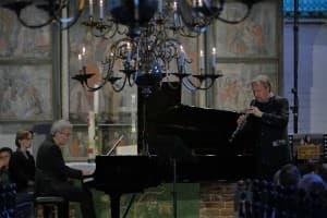Markus Becker und Alrecht Mayer beim Gezeitenkonzert in Remels, Foto: Karlheinz Krämer
