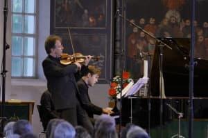 Ingolf Turban und Florian Uhlig beim Gezeitenkonzert in Backemoor, Foto: Karlheinz Krämer