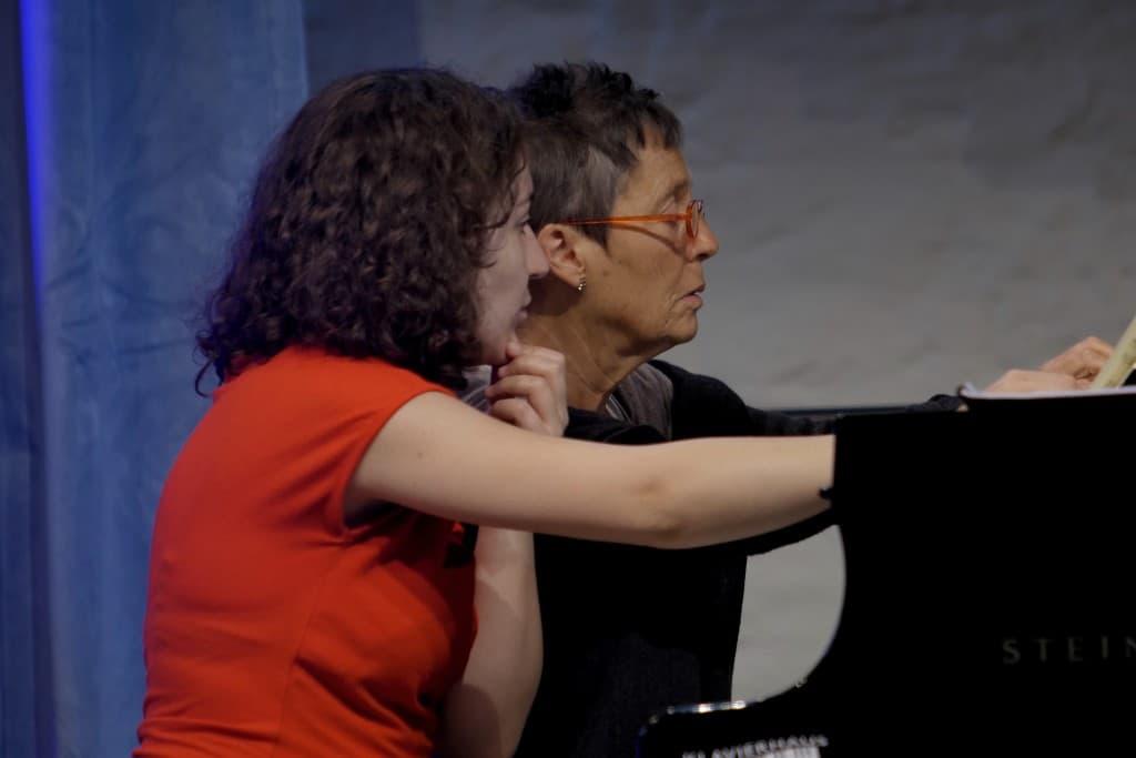Lilit Grigoryan und Maria João Pires bei der Probe, Foto: Karlheinz Krämer