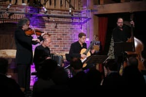 Jourist Quartett: Edouard Tachalow (Violine), Jakob Neubauer (Bajan), Christian Schulz (Gitarre) und Johannes Huth (Bass) - Foto: Karlheinz Krämer