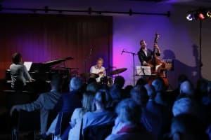 Tuomas Turunen (Klavier), Emil Brandqvist (Schlagzeug) und Max Thornberg (Bass), Foto; Karlheinz Krämer