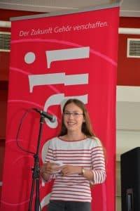 Schülermanagerin Malin macht die Begrüßung Foto: Reinhard Former
