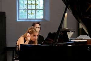 Lise de la Salle beim Gezeitenkonzert in Pewsum, Foto: Karlheinz Krämer