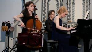 Anastasia Kobekina und Elisabeth Brauß spielten u. a. Beethovens Cello-Sonate Nr. 1, Foto: Karlheinz Krämer