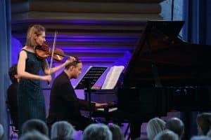 Anna Reszniak und Lars Vogt beim Gezeitenkonzert in der Neuen Kirche Emden, Foto: Karlheinz Krämer