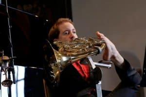 Hornist Felix Klieser beim Gezeitenkonzert in Backemoor, Foto: Karlheinz Krämer
