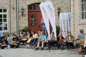Zur Einstimmung auf das Gezeitenkonzert gab es für die JPON erst einmal PIZZA! Foto: Karlheinz Krämer