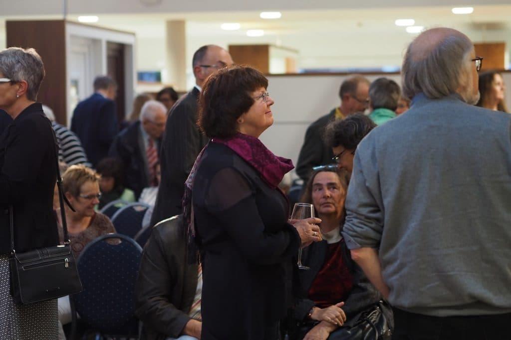 Publikum beim Gezeitenkonzert bei Pollmann & Renken, Foto: Karlheinz Krämer