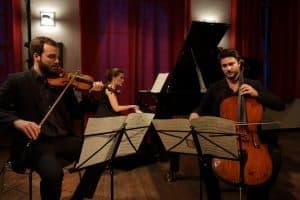 Philipp Wollheim, Verena Metzger und Raphael Paratore beim Gezeitenkonzert in Dangast, Foto: Karlheinz Krämer