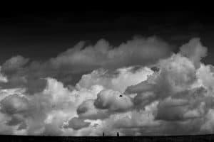 Wolken türmen sich über dem Deich - passend zum Motto Sturm und Klang der Gezeitenkonzerte 2017