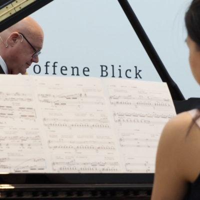 Komponistenporträt: Manfred Trojahn & Hanni Liang (Foto: Karlheinz Krämer)