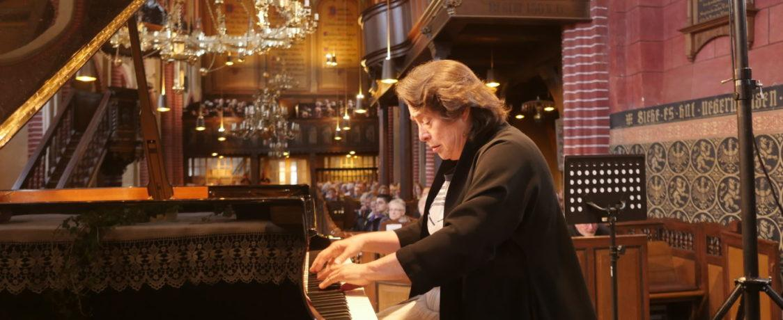 Elisabeth Leonskaja, Foto: Karlheinz Krämer